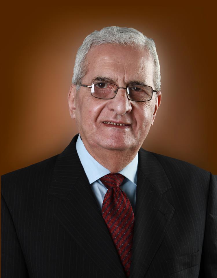 إسماعيل صبري مقلد